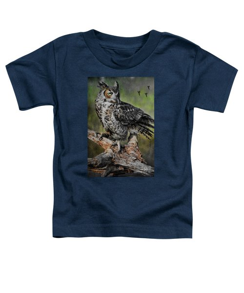 Great Horned Owl On Branch Toddler T-Shirt