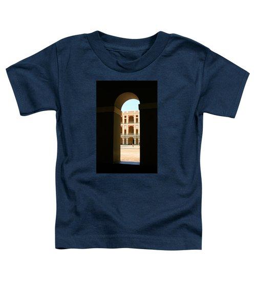Ventana De Arco Toddler T-Shirt