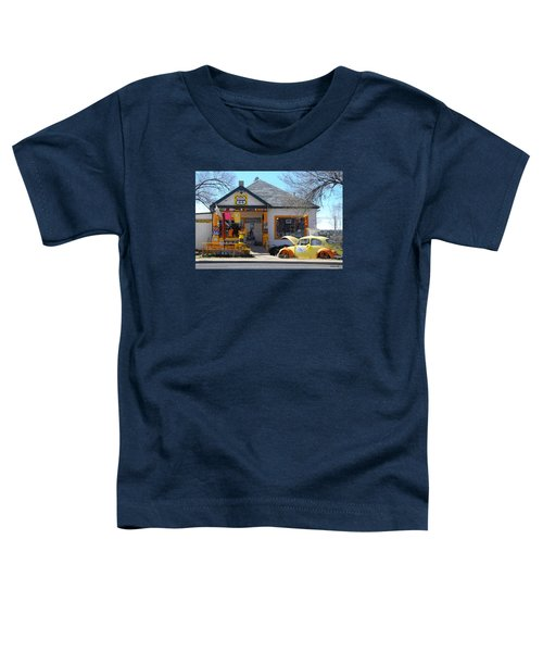 Vintage Vw Beetle At Seligman Antiques, Historic Route 66 Toddler T-Shirt