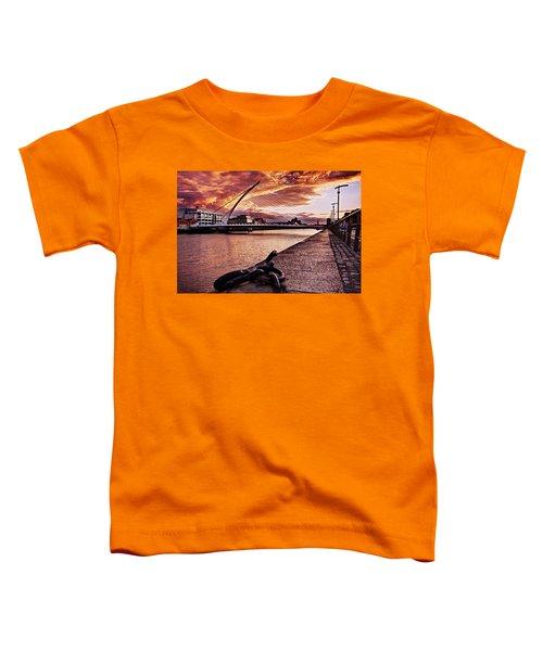 Samuel Beckett Bridge At Dusk - Dublin Toddler T-Shirt