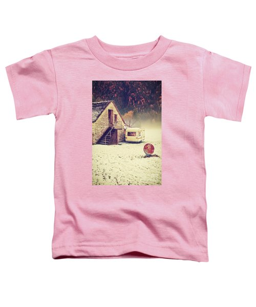 Caravan In The Snow With House And Wood Toddler T-Shirt