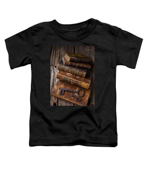 Love Reading Toddler T-Shirt