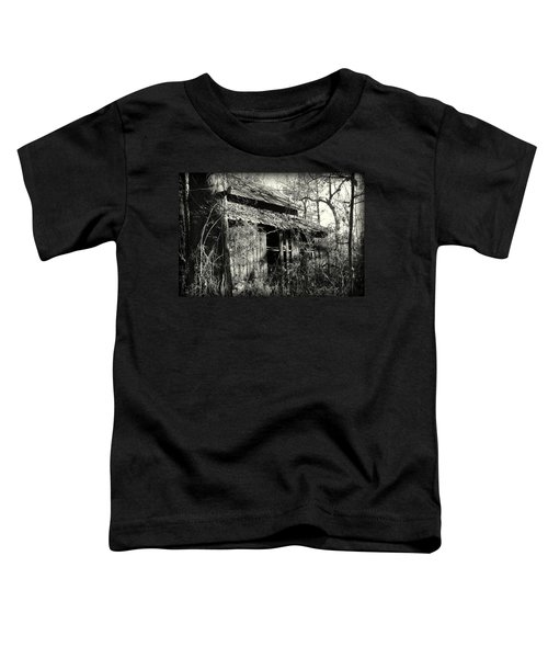 Old Barn In Black And White Toddler T-Shirt