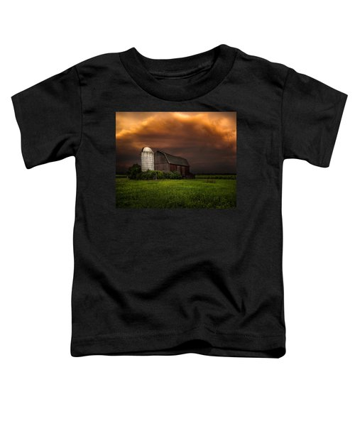 Red Barn Stormy Sky - Rustic Dreams Toddler T-Shirt