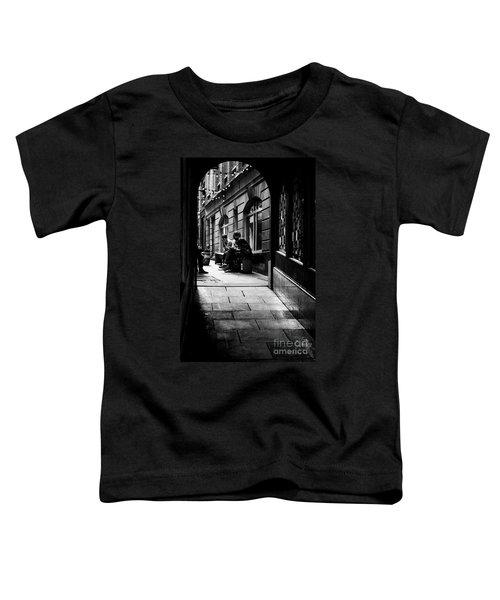 London Backstreet Alley Toddler T-Shirt