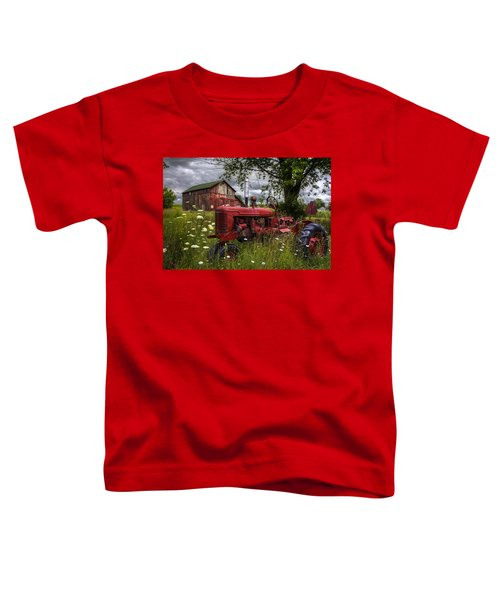 Toddler T-Shirt featuring the photograph Reds In The Pasture by Debra and Dave Vanderlaan
