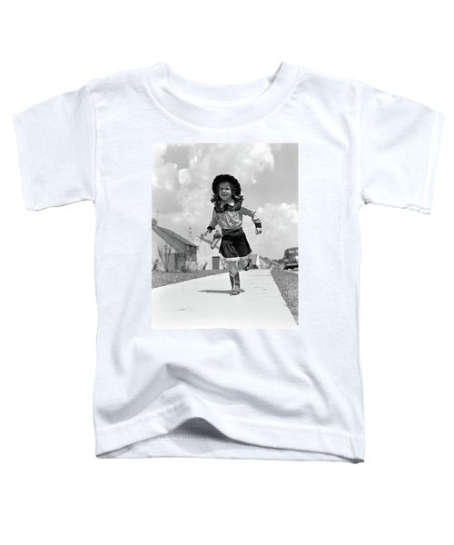 1950s Girl In Cowgirl Outfit Running Toddler T-Shirt