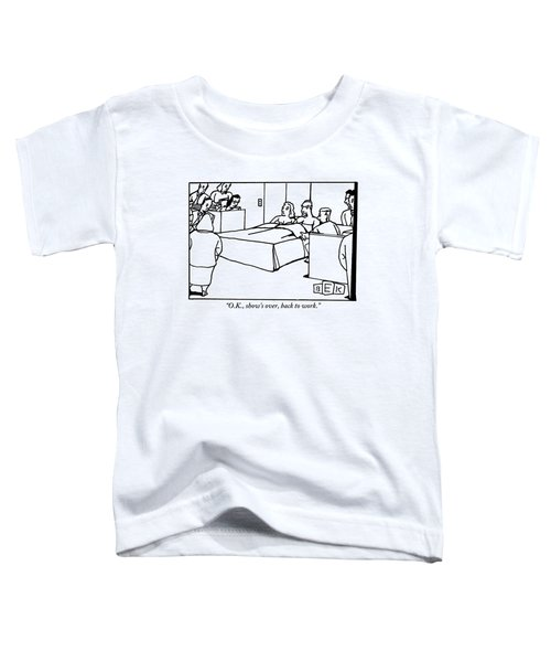 A Man And Woman Are Sitting In Bed In The Middle Toddler T-Shirt