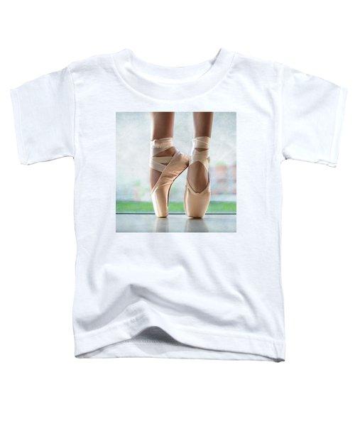 Ballet En Pointe Toddler T-Shirt