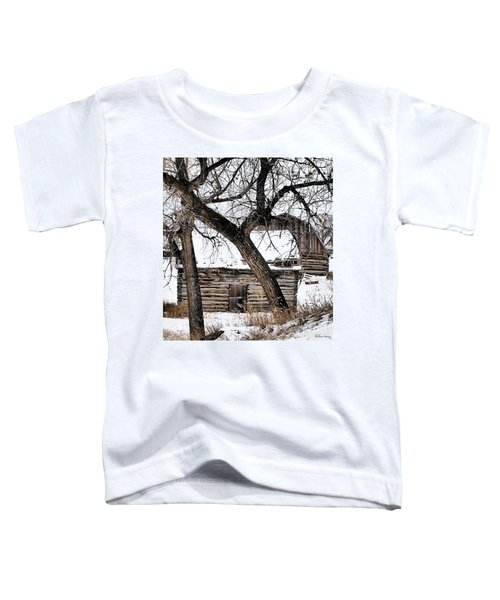 Toddler T-Shirt featuring the photograph Old Ulm Barn by Susan Kinney