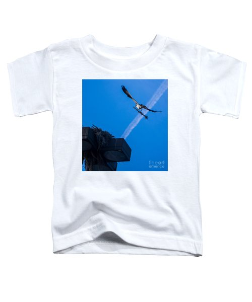 Osprey Carrying Stick To Nest Toddler T-Shirt
