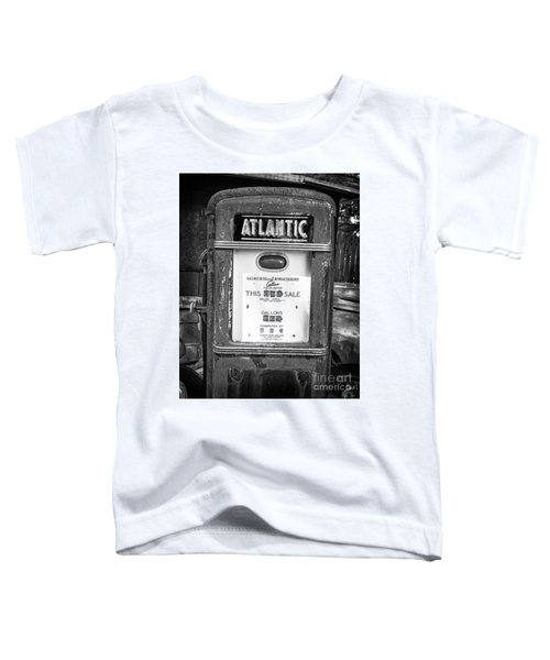 Rusty Old Vintage Atlantic Gas Pump Black And White Toddler T-Shirt