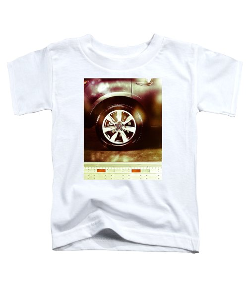 Tire Under The Moonlight Color Toddler T-Shirt