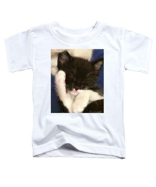 Tuxedo Kitten Snoozing Toddler T-Shirt