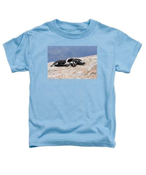 Close Bonds, African Penguin Toddler T-Shirt