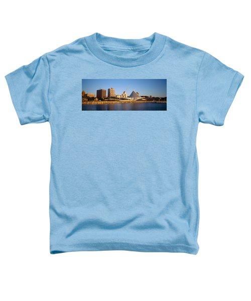 Milwaukee Art Museum Milwaukee Wi Toddler T-Shirt