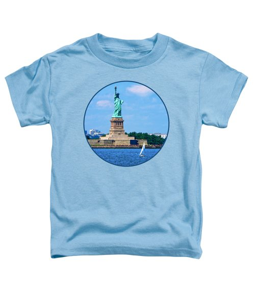 Manhattan - Sailboat By Statue Of Liberty Toddler T-Shirt