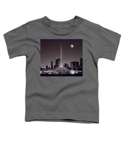 Buckingham Fountain Nightlight Chicago Bw Toddler T-Shirt