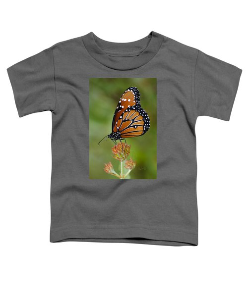 Close-up Pose Toddler T-Shirt