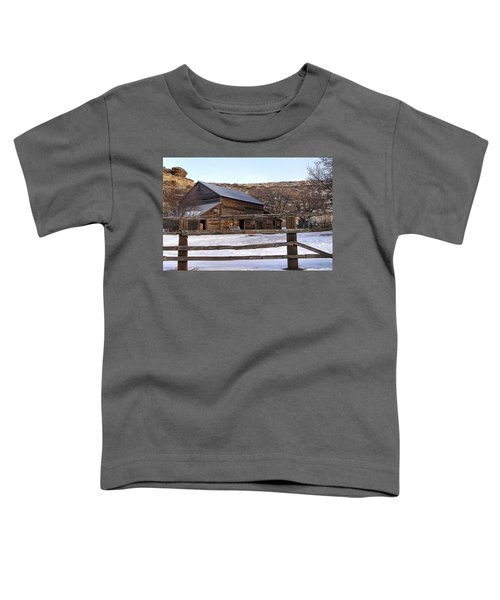 Toddler T-Shirt featuring the photograph  Country Barn by Susan Kinney