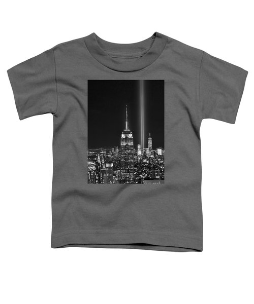 New York City Tribute In Lights Empire State Building Manhattan At Night Nyc Toddler T-Shirt