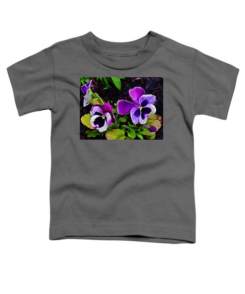 2015 Spring At Olbrich Gardens Violet Pansies Toddler T-Shirt
