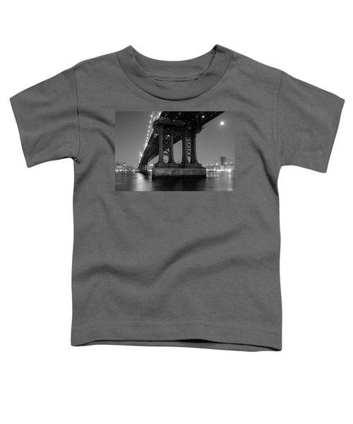 Black And White - Manhattan Bridge At Night Toddler T-Shirt