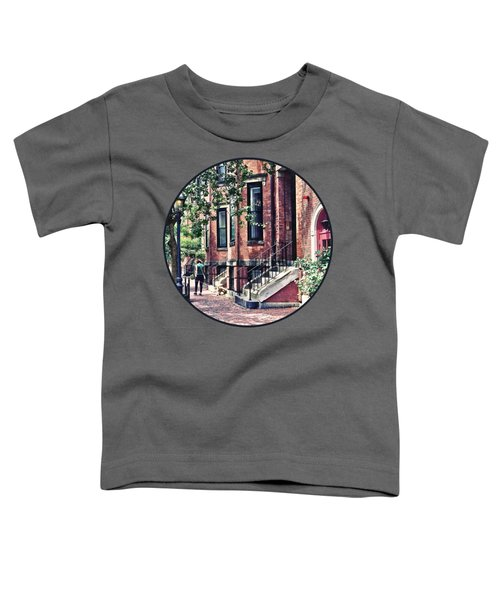 Boston Ma - Walking The Dog On Mount Vernon Street Toddler T-Shirt