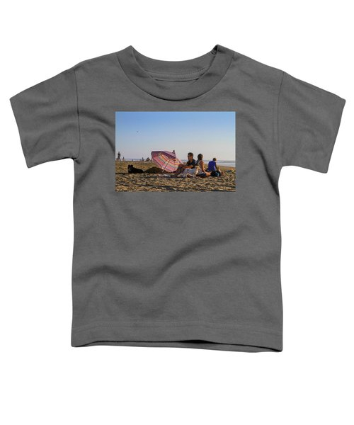 Family At Ocean Beach With Dogs Toddler T-Shirt