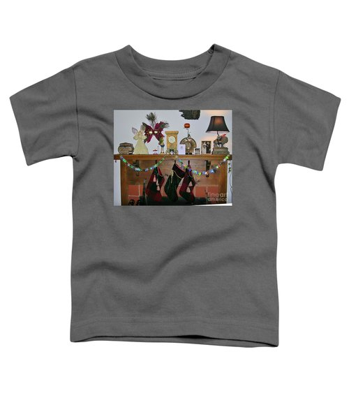 Mantel With Mask Toddler T-Shirt