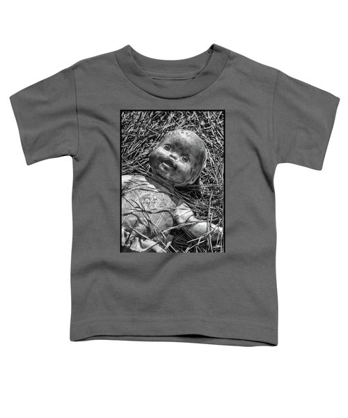Old Dolls In Grass Toddler T-Shirt