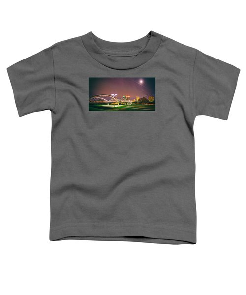 Panorama Of The Seventh Street Bridge And Downtown Fort Worth With Full Moon Above - Trinity River Toddler T-Shirt