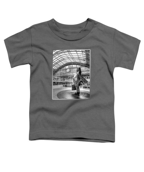 Sir John Betjeman Statue And Clock At St Pancras Station In Black And White Toddler T-Shirt