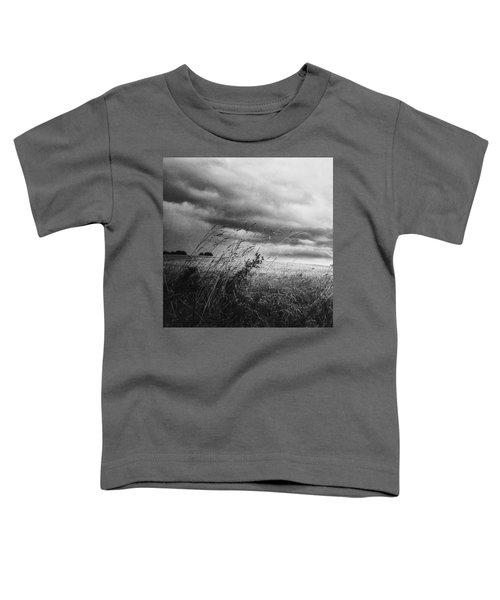 Und Unter Den Wolken Wächst Das Toddler T-Shirt