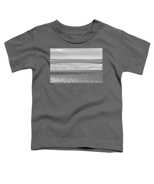 Coastal Brown Bear On  A Beach In Monochrome Toddler T-Shirt