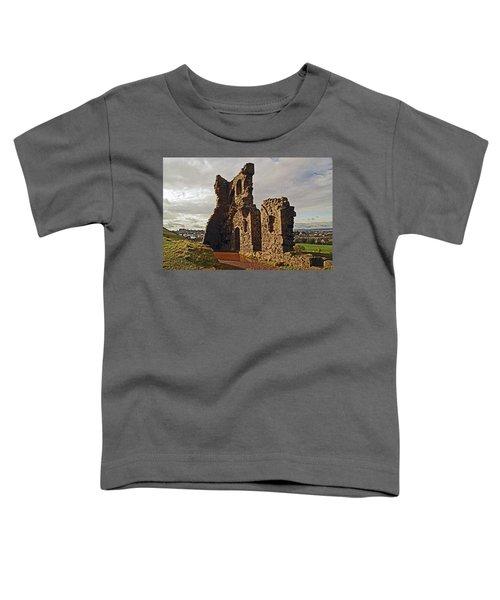Edinburgh. St. Anthony's Chapel, Holyrood Park Toddler T-Shirt