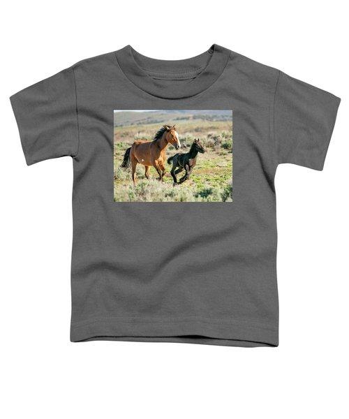 Running Wild Mustangs - Mom And Baby Toddler T-Shirt
