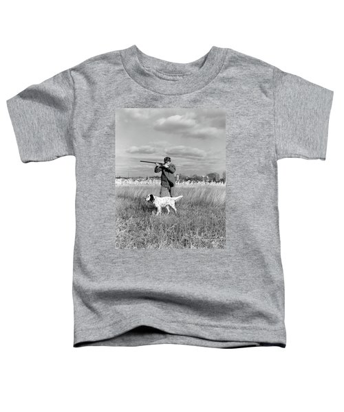 1930s 1940s Man Bird Hunting In Field Toddler T-Shirt