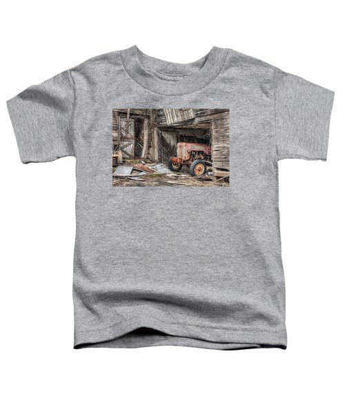 Comfortable Chaos - Old Tractor At Rest - Agricultural Machinary - Old Barn Toddler T-Shirt