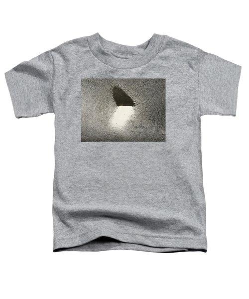 Love In The Rain Toddler T-Shirt