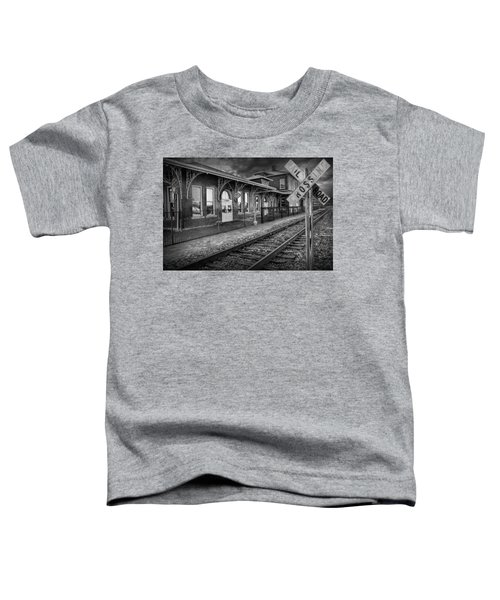 Old Train Station With Crossing Sign In Black And White Toddler T-Shirt