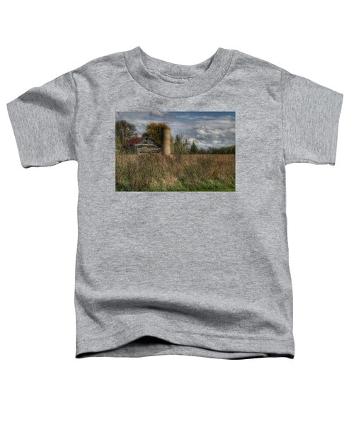 0034 - Old Wooden Barn And Silo Toddler T-Shirt