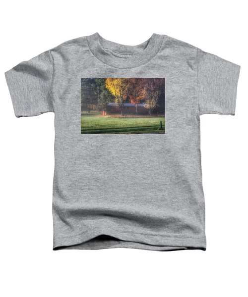 0041 - Red Barn On A Foggy Fall Morning Toddler T-Shirt