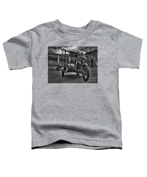 Ural - Bw Toddler T-Shirt