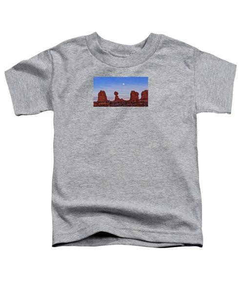Super Moonrise At Balanced Rock Toddler T-Shirt