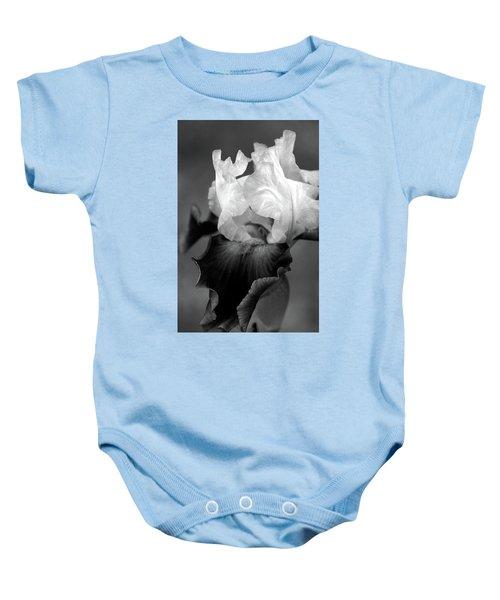 Iris 6621 H_5 Baby Onesie