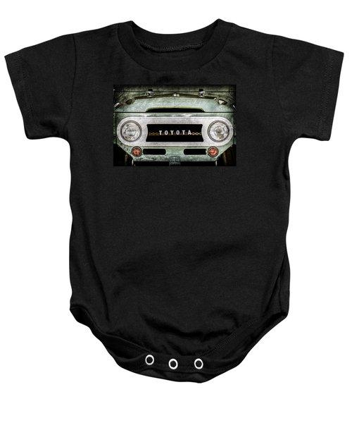 1969 Toyota Fj-40 Land Cruiser Grille Emblem -0444ac Baby Onesie