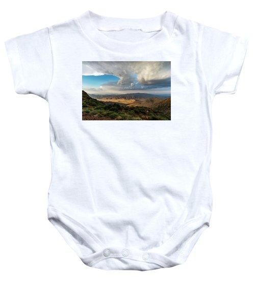 Kwaaymii Point Monsoon Baby Onesie