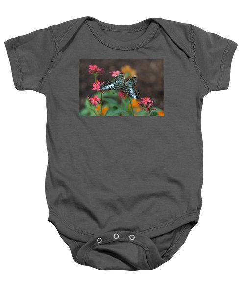 Clipper Butterfly 6150-052513-1cr Baby Onesie