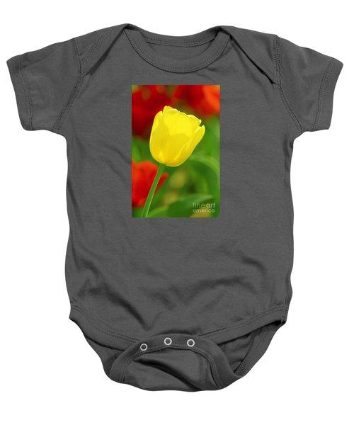 Tulipan Amarillo Baby Onesie